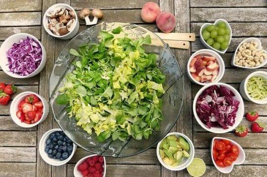 ensalada de frutas y verduras