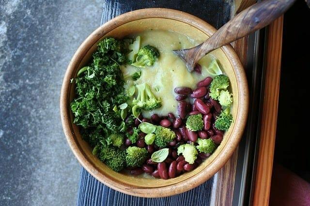 brócoli, frijoles, comida sana