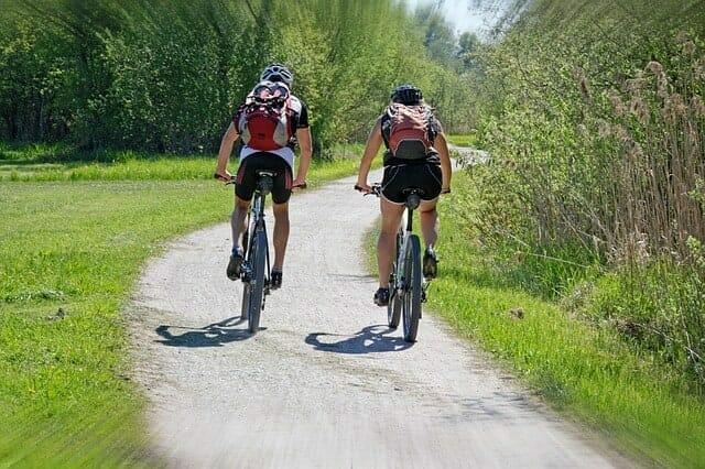 actividad, gente montando en bicicleta