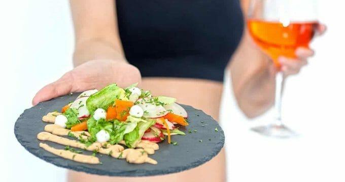 ensalada en un plato