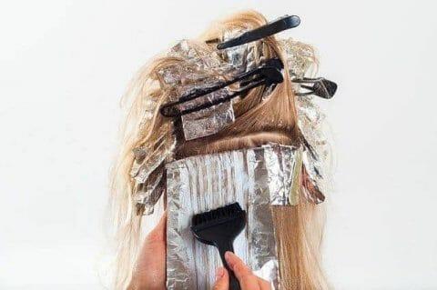 el cabello durante la coloración