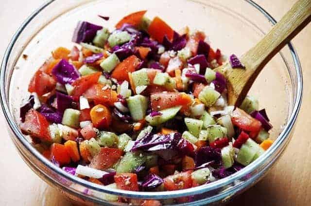 verduras picadas en una ensaladera